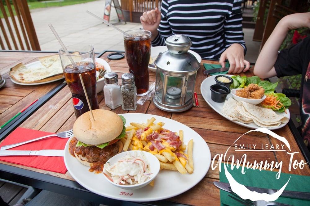 Doncaster-Frankie-and-Bennys-burger