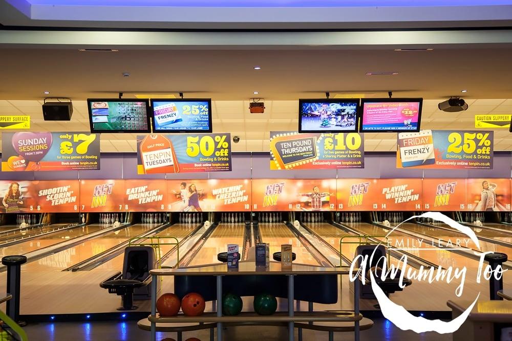 Ten-Pin-Bowling-lanes