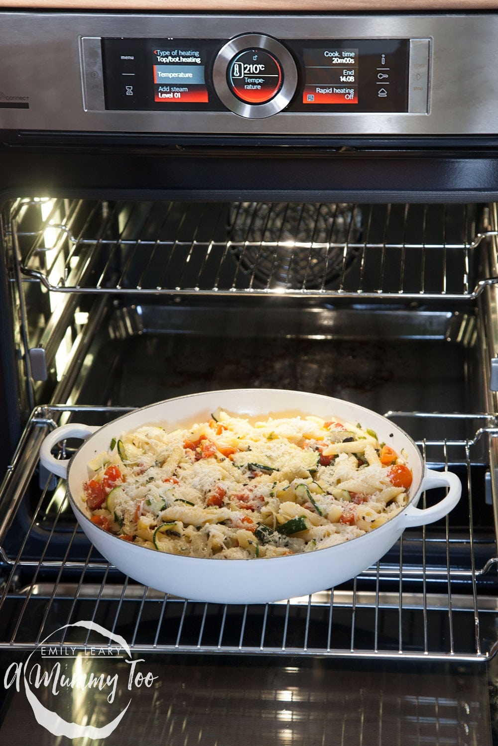The courgette and black olive pasta gratin baking in the Bosch Serie 8 oven
