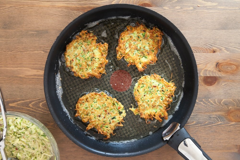 Frying spicy courgette latkes