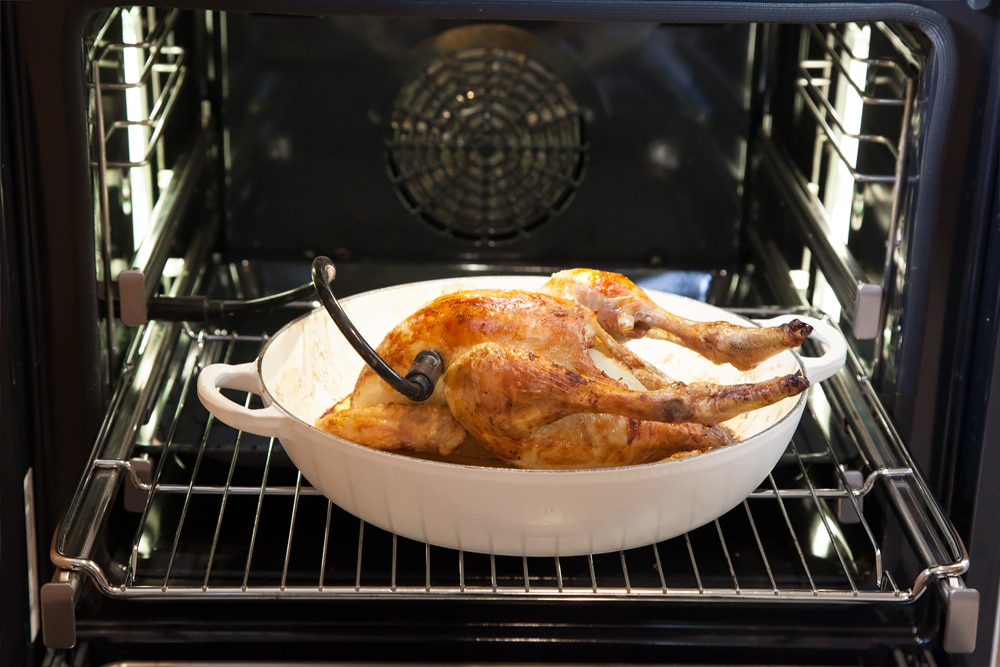 Baking the sage and onion roast chicken in the Bosch Serie 8 oven