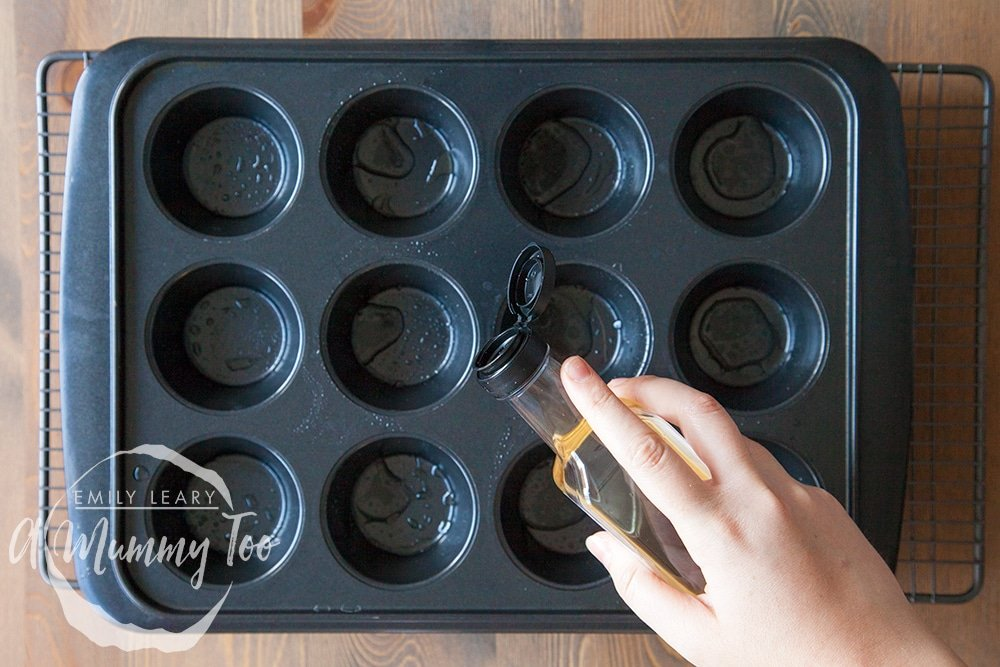 3-ways-to-poach-the-perfect-egg-muffin-tray-method-step-1