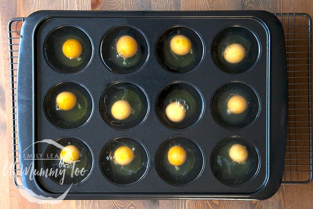 3-ways-to-poach-the-perfect-egg-muffin-tray-method-step-2