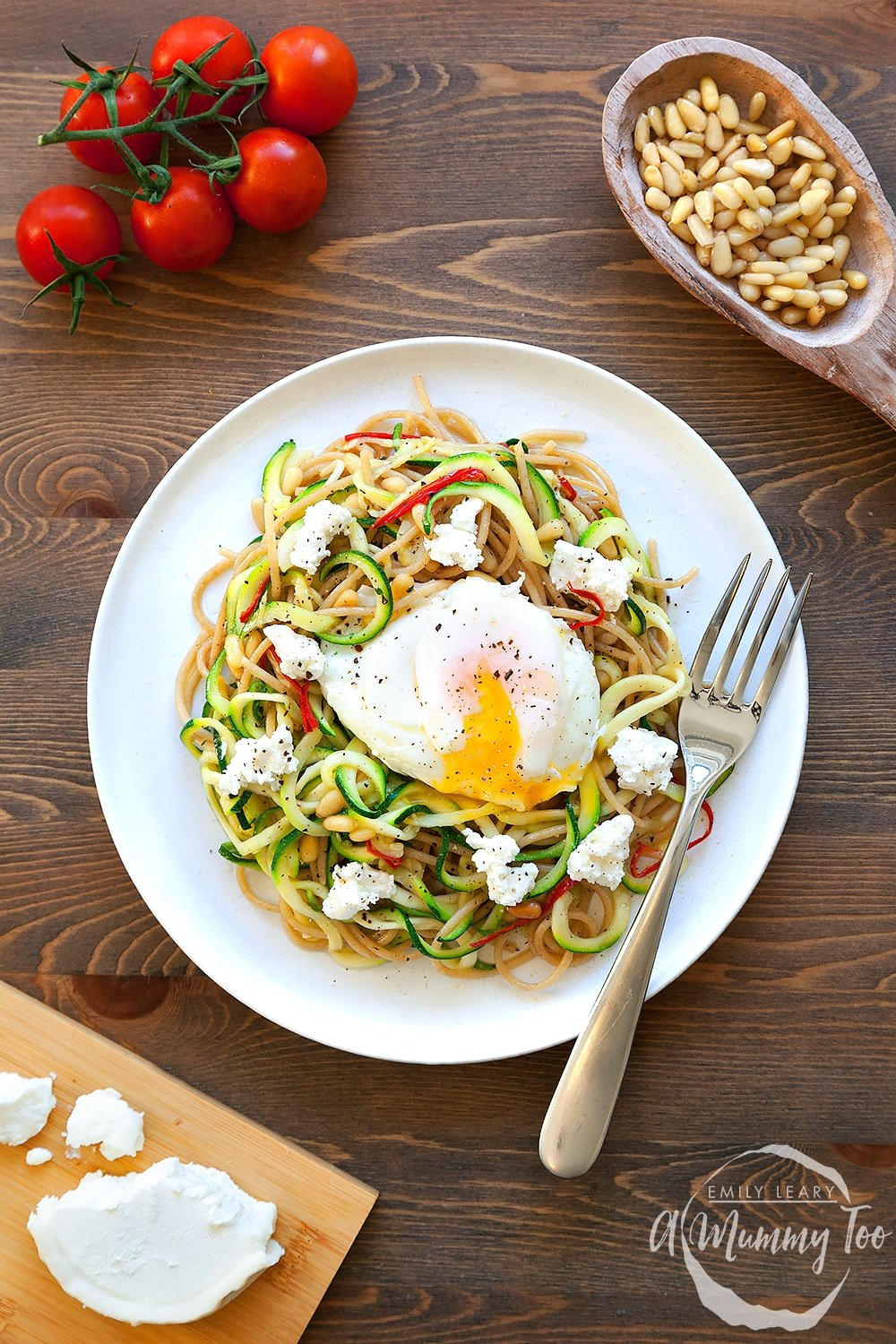 Courgette and whole wheat pasta with poached egg - a delicious meal with added flavour, thanks to the poached egg
