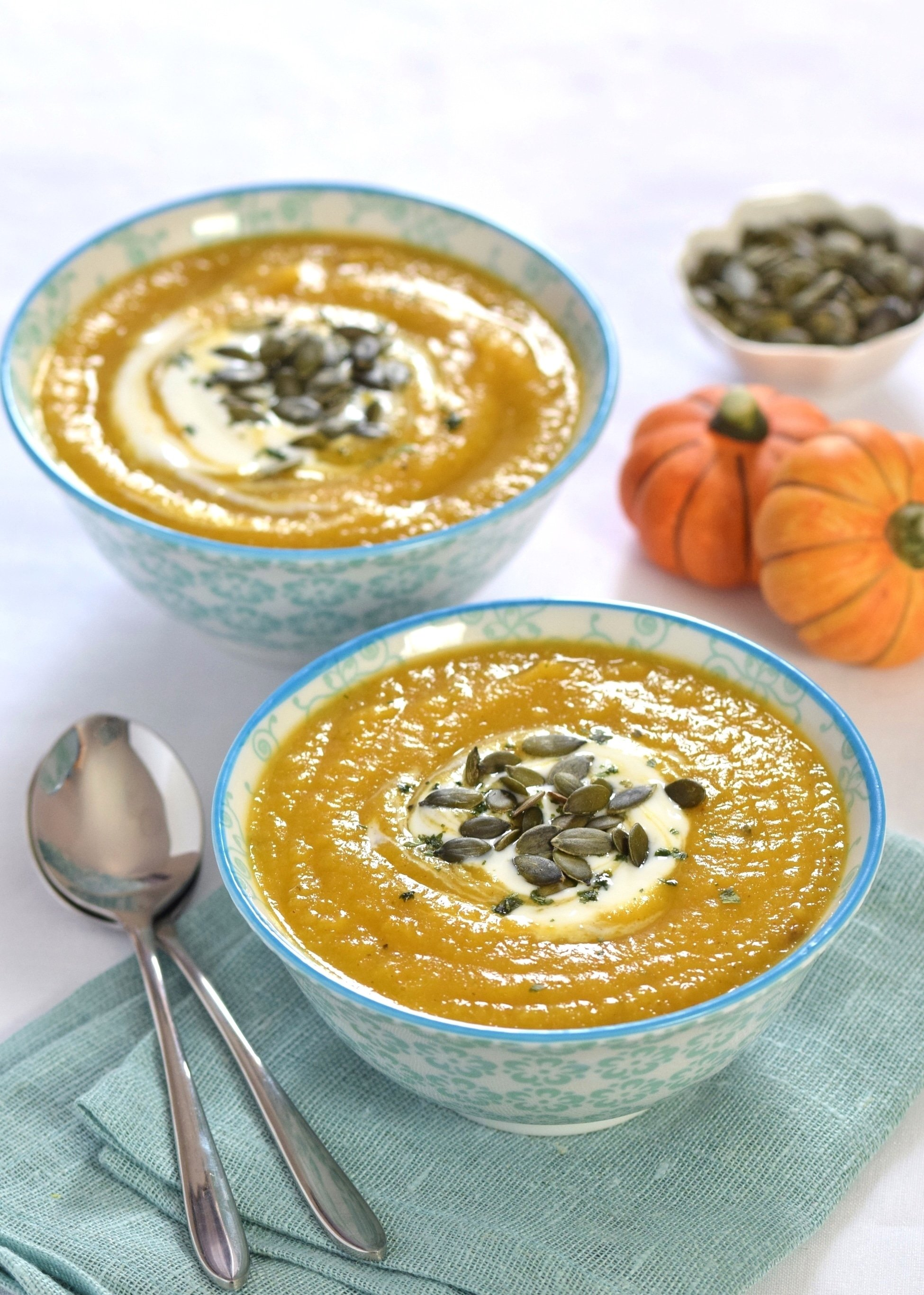 easy-curried-pumpkin-and-parsnip-soup-recipe-eats-amazing-for-a-mummy-too-2