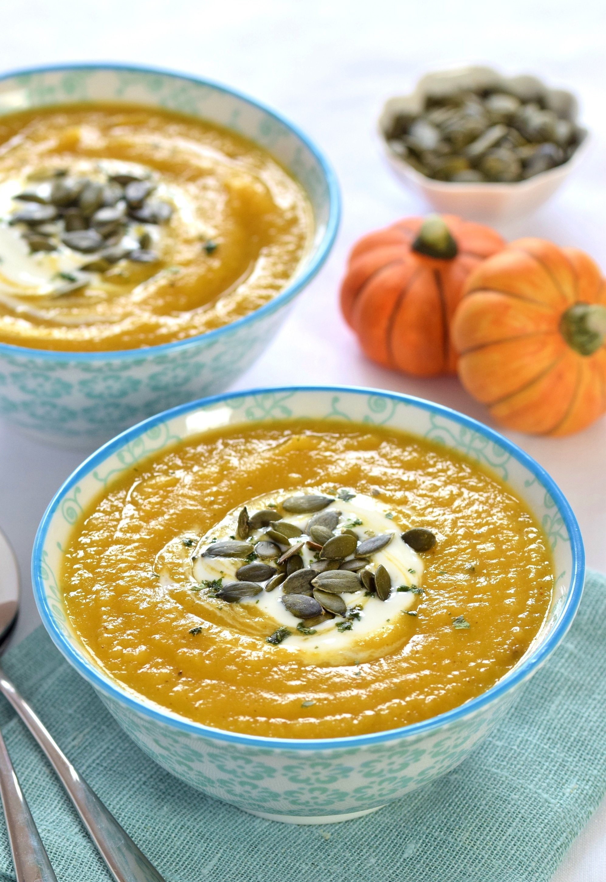 easy-curried-pumpkin-and-parsnip-soup-recipe-eats-amazing-for-a-mummy-too