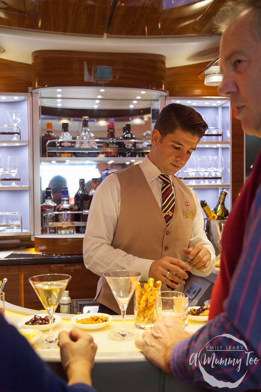 emirates-flight-to-dubai-business-class-barman