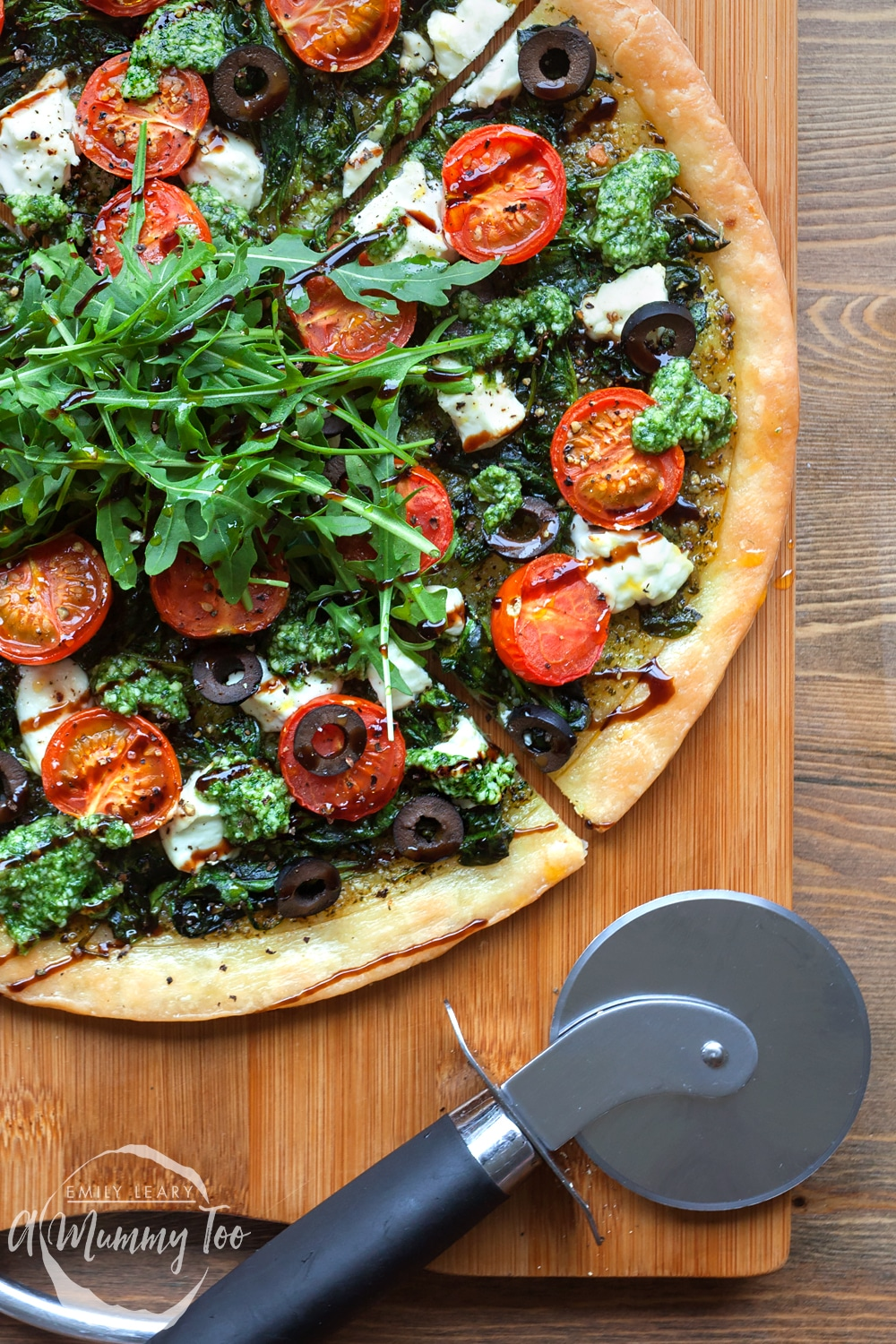 Gluten-free spinach and goat's cheese pesto tart - a delicious, vibrant gluten-free lunch!