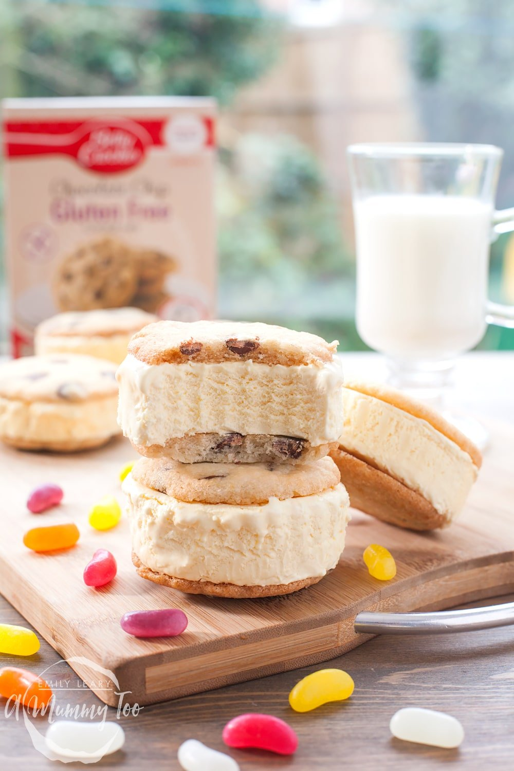 Serve your gluten-free ice cream sandwiches and enjoy straight away!