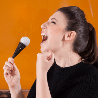 Will you sing, croon or rap into these microphone cake pops?