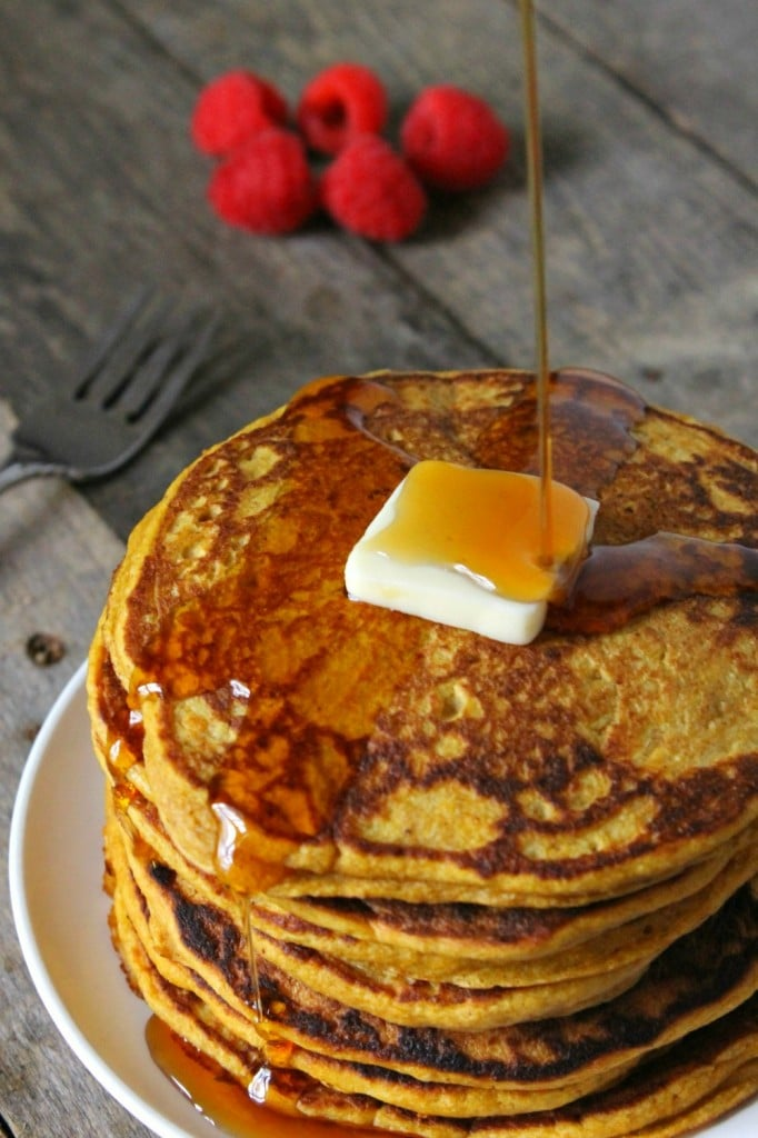 wholewheat pumpkin pancakes by natural chow