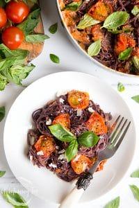 Black spaghetti with roasted tomatoes