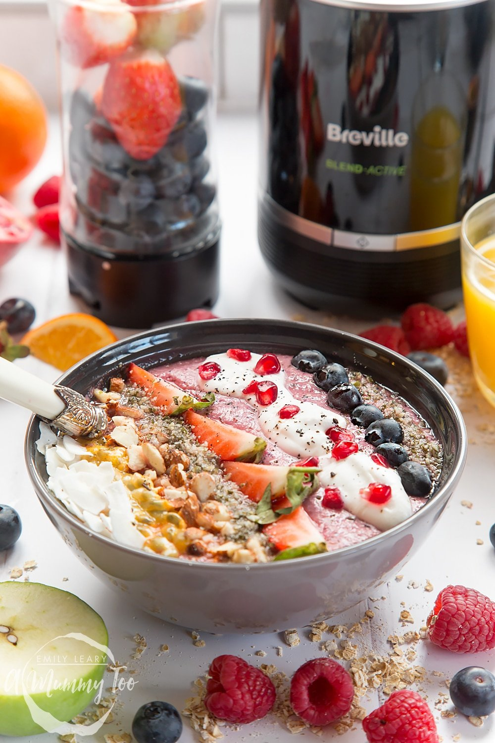 This vegan fruit and nut smoothie bowl is healthy, filling and easy to make with the Breville Blend Active Pro Personal Blender