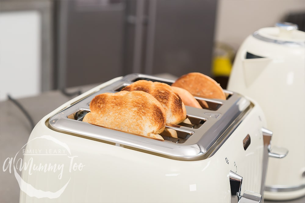 c5f62d20bfcb and toast them quickly and evenly. The Breville Impressions 4-Slice Toaster  (RRP £43.98 or £38.99 from Breville.co.uk) delivers on both fronts.