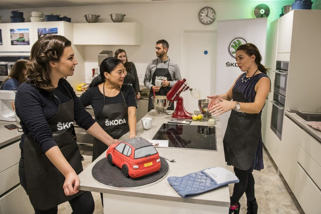 Learning how to make a ŠKODA Fabia cake