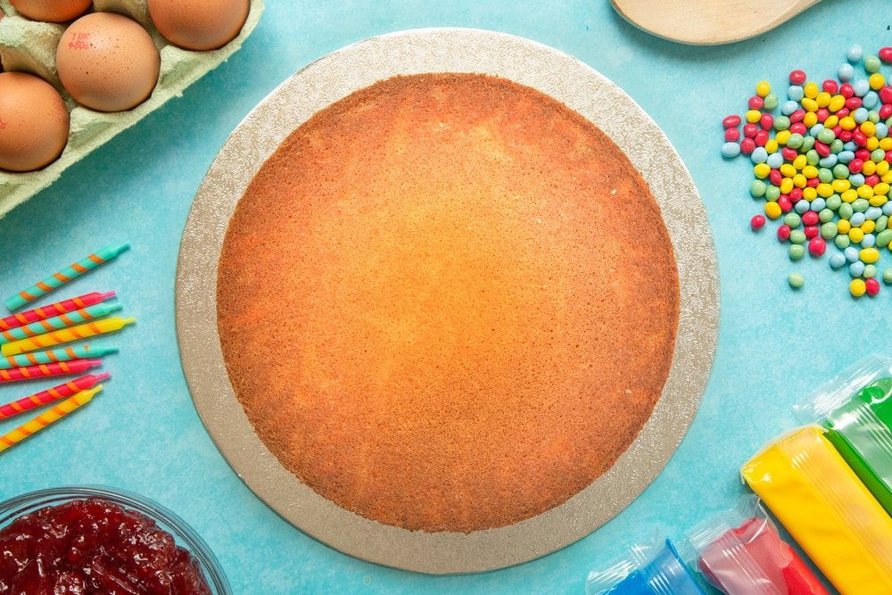Victoria sponge on a cake board
