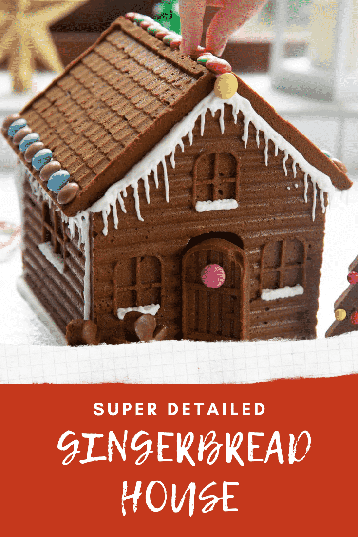 graphic text SUPER DETAILED GINGERBREAD HOUSE above front angle shot of Christmas ginger breadhouse