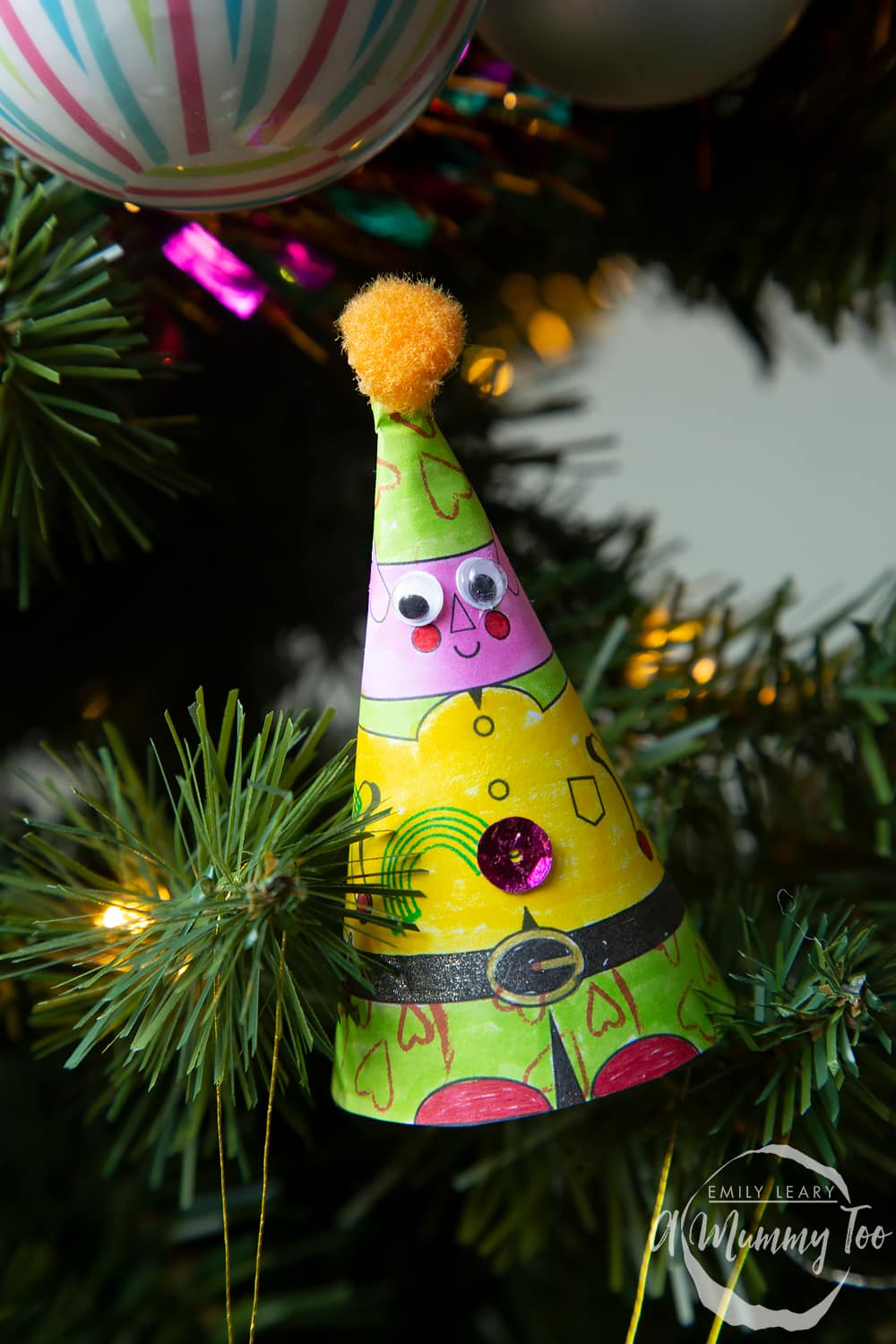 The 3D coloured elf with added creations on the Christmas tree.