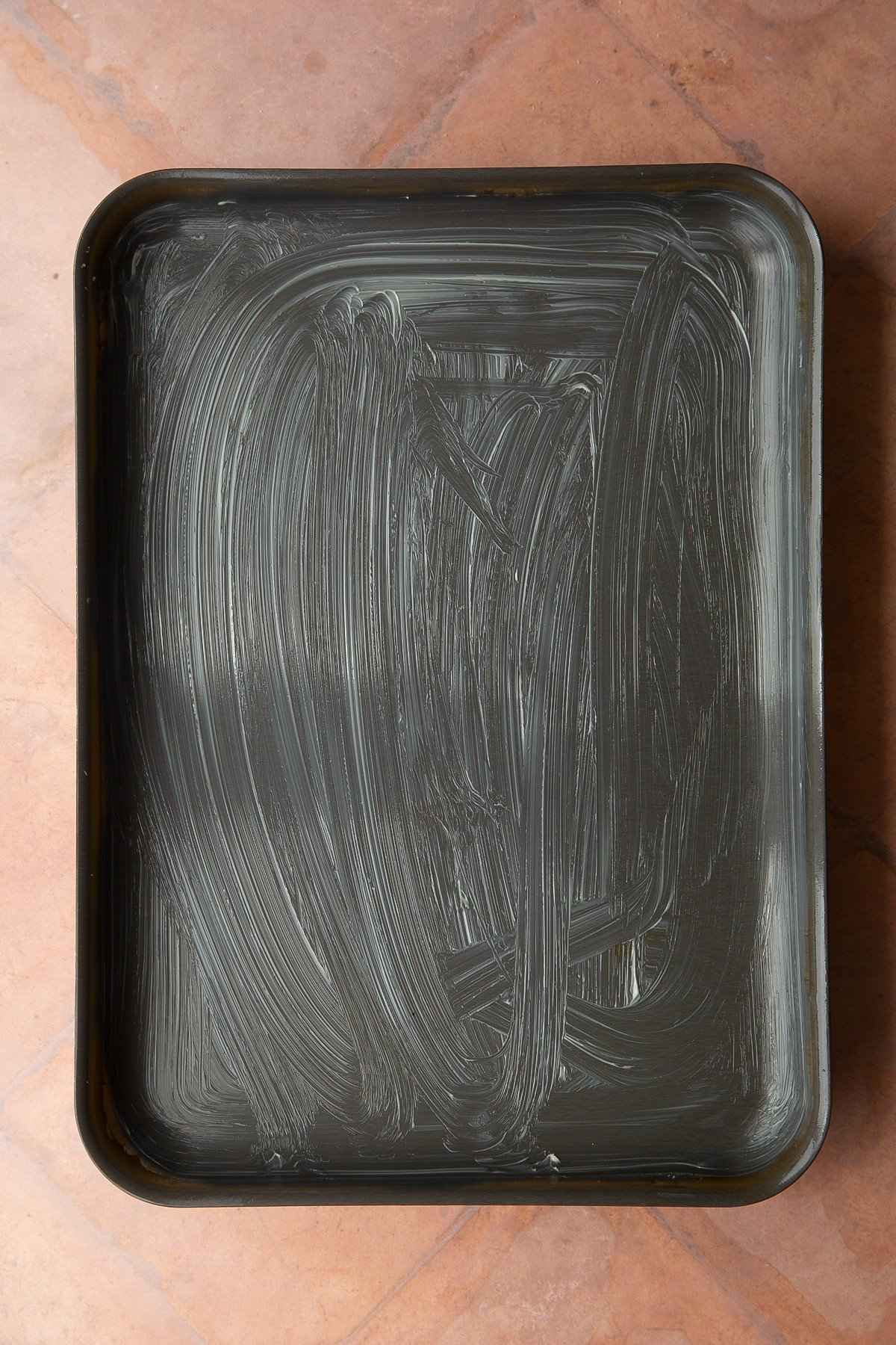 A greased tray.